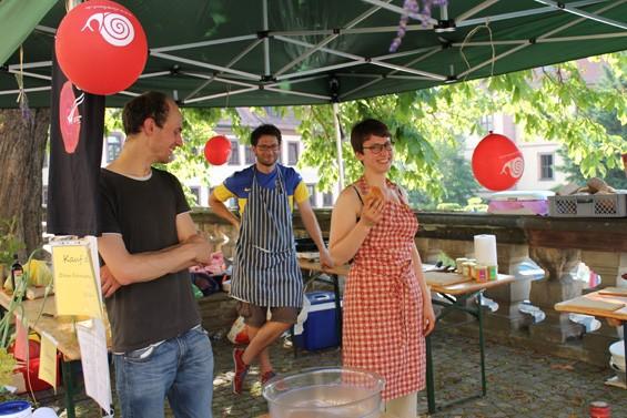 Arthur Schulz (links) und Victoria Schneider freuen sich auf die Gäste. Bild: Jens Brehl CC BY-NC-SA 4.0