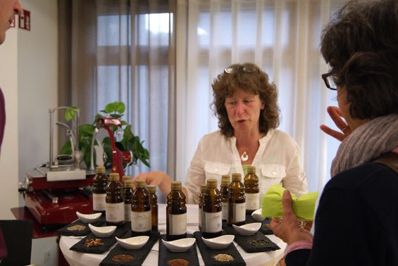 Anette Herbst präsentierte ihre Ölmanufaktur. Bild: Christiane Hartung