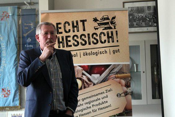 Fruchtfolge auf dem Acker hat etwas von Schach, erläuterte Thomas Schindler. Bild: Jens Brehl CC BY-NC-SA 4.0