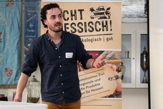 Julian Merz bleibt mit der Gutsbäckerei lieber regional authentisch. Bild: Jens Brehl CC BY-NC-SA 4.0