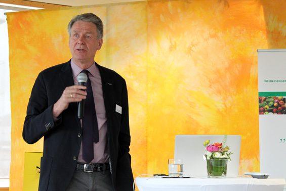 Augenhöhe schützt vor zu großer Marktmacht, wie Dr. Frank Ehrnsperger betonte. Bild: Jens Brehl CC BY-NC-SA 4.0