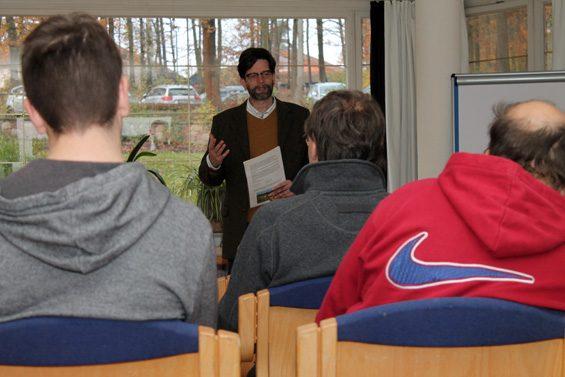 Dr. Steffen Borzner begrüßte die Gäste. Bild: Jens Brehl CC BY-NC-SA 4.0