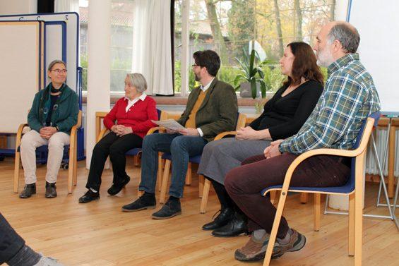 Eröffnungsdiskussion v.l.n.r.: Irmgard Bark, Margarethe Voegele, Dr. Steffen Borzner, Anja Christinck, Thosten Keuer. Bild: Jens Brehl CC BY-NC-SA 4.0