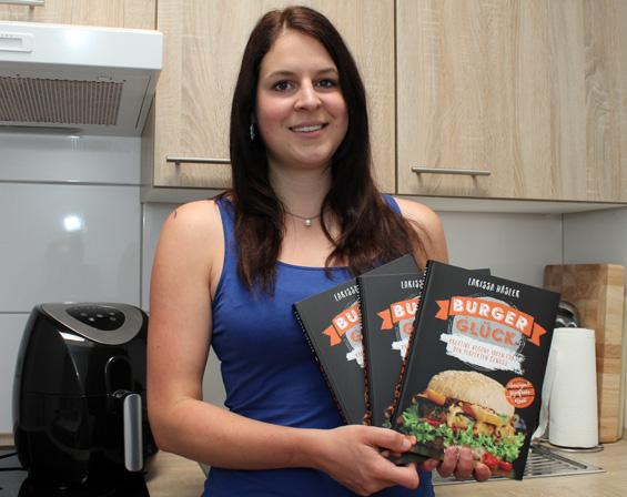 """Larissa Häsler präsentiert ihr Buch """"Burgerglück"""" mit vielen Rezepten für vegane Burger"""