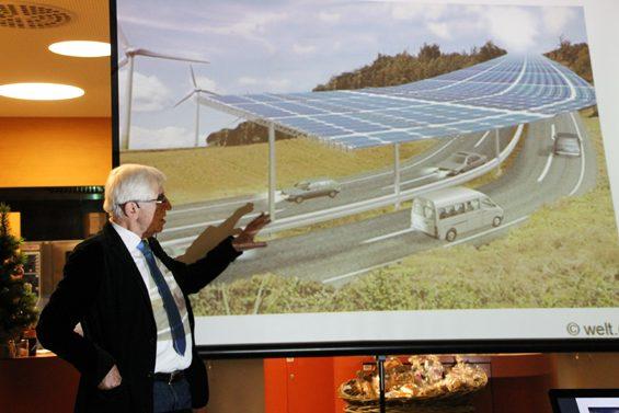 Warum den Strom für E-Mobilität nicht direkt an der Autobahn gewinnen? Bild: Jens Brehl CC BY-NC-SA 4.0