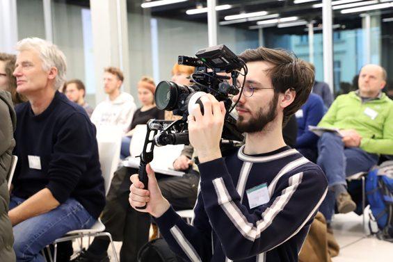Kameramann Linus Berberich – Bild: Jens Brehl CC BY-NC-SA 4.0