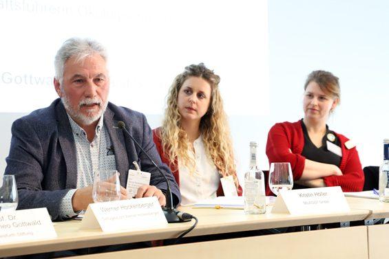 In-Ovo-Selektion ist für Werner Hockenberger (links) keine echte Lösung. Bild: Jens Brehl CC BY-NC-SA 4.0