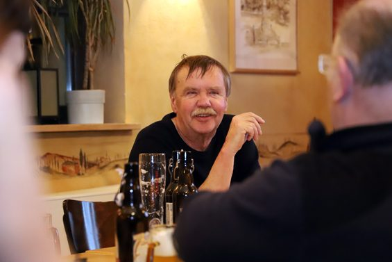 Glücklicher Gastgeber: Karlheinz Fenske von den Hünfelder Grünen – Bild: Jens Brehl CC BY-NC-SA 4.0