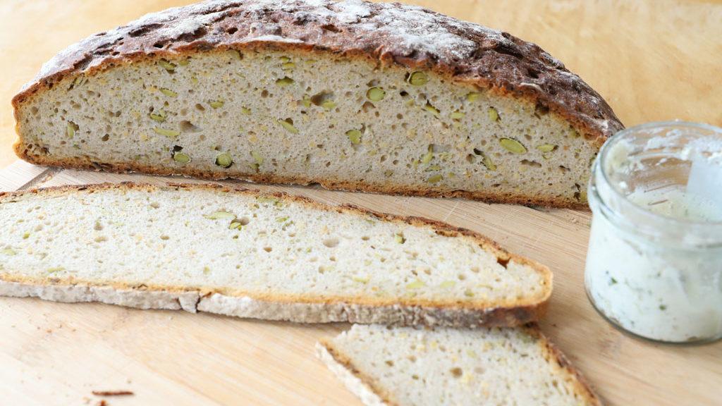 Brot mit Edamame-Bohnen aus der Hofpfisterei München